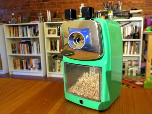 Classroom Friendly sharpener: one of my favorite crank models, with a Deli I like very much.